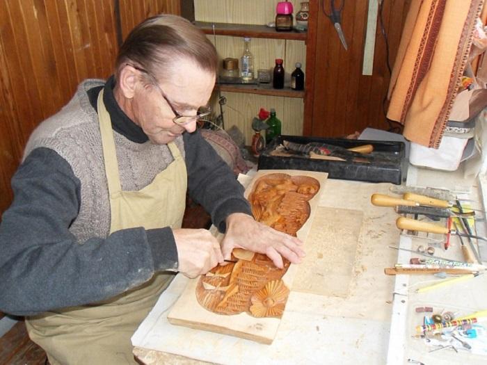 """Деревянные скульптуры Виктора Шумилова можно увидеть на выставке в """"Резном палисаде"""""""