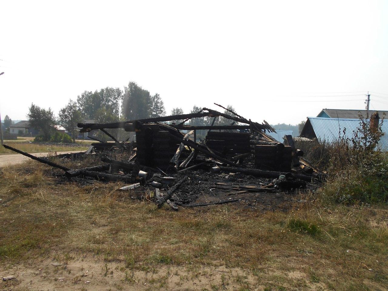 Мальчик играл со спичками и спалил гараж отца в Тотемском районе