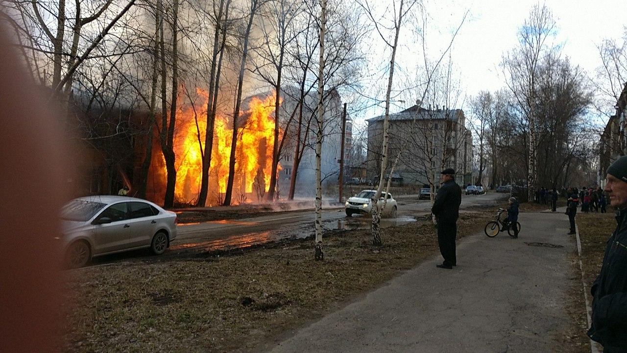 В Вологде дожгли расселенный дом, который администрация не снесла вовремя