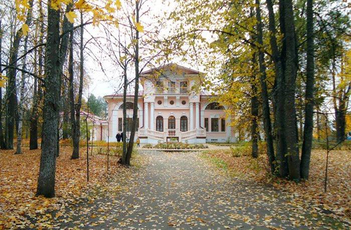 Усадьба Брянчаниновых приглашает в литературные гостиные