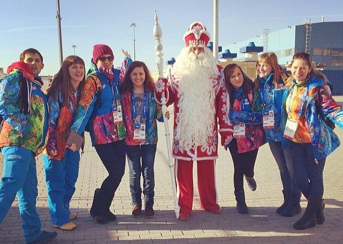 Дед Мороз очень переживает за кёрлинг