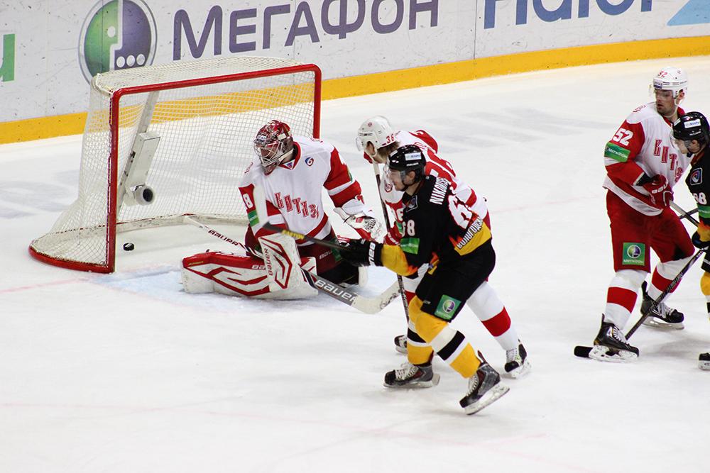 Хоккеисты «Северстали» уступили подмосковному «Витязю»