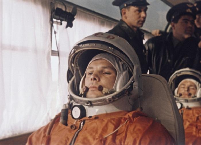В российский День космонавтики памятник Гагарину открылся в Пекине
