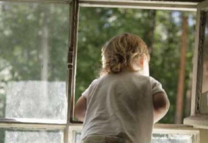 Ещё один ребёнок выпал из окна в Череповце