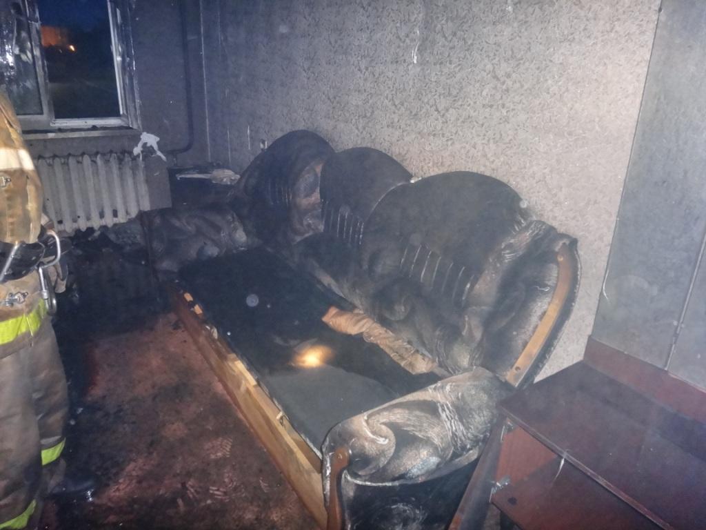 В Череповце неизвестные ворвались в квартиру и подожгли ее