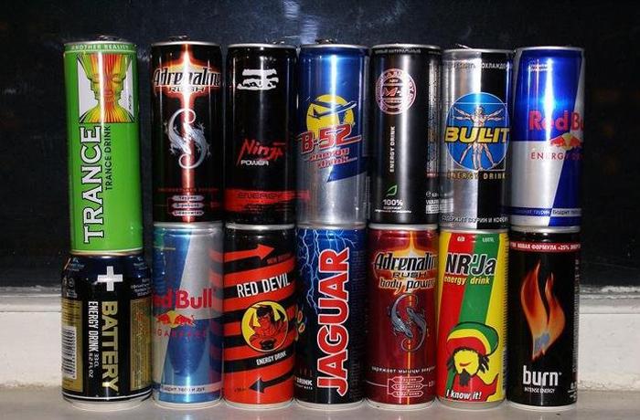 В Вологодской области хотят запретить продажу энергетиков подросткам