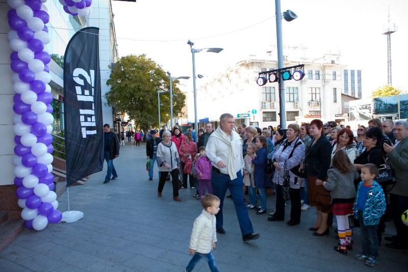 Tele2 открыла шестисотый салон связи в России