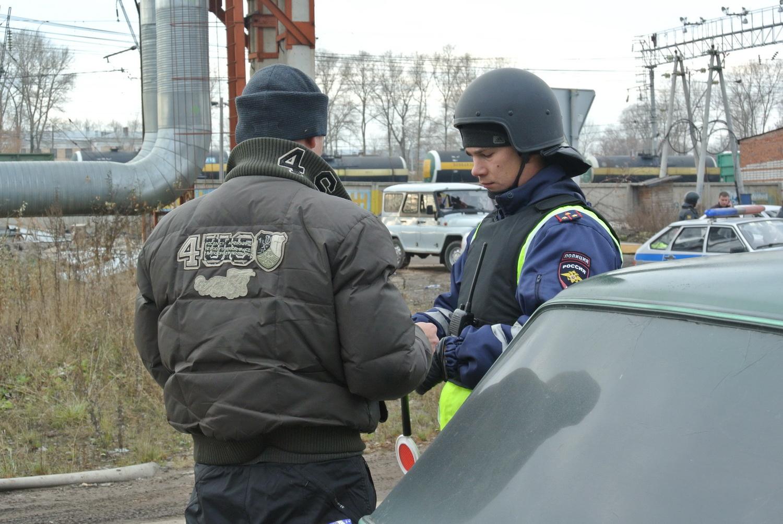 В Вологде в рамках антитеррористических учений досматривают машины и автобусы
