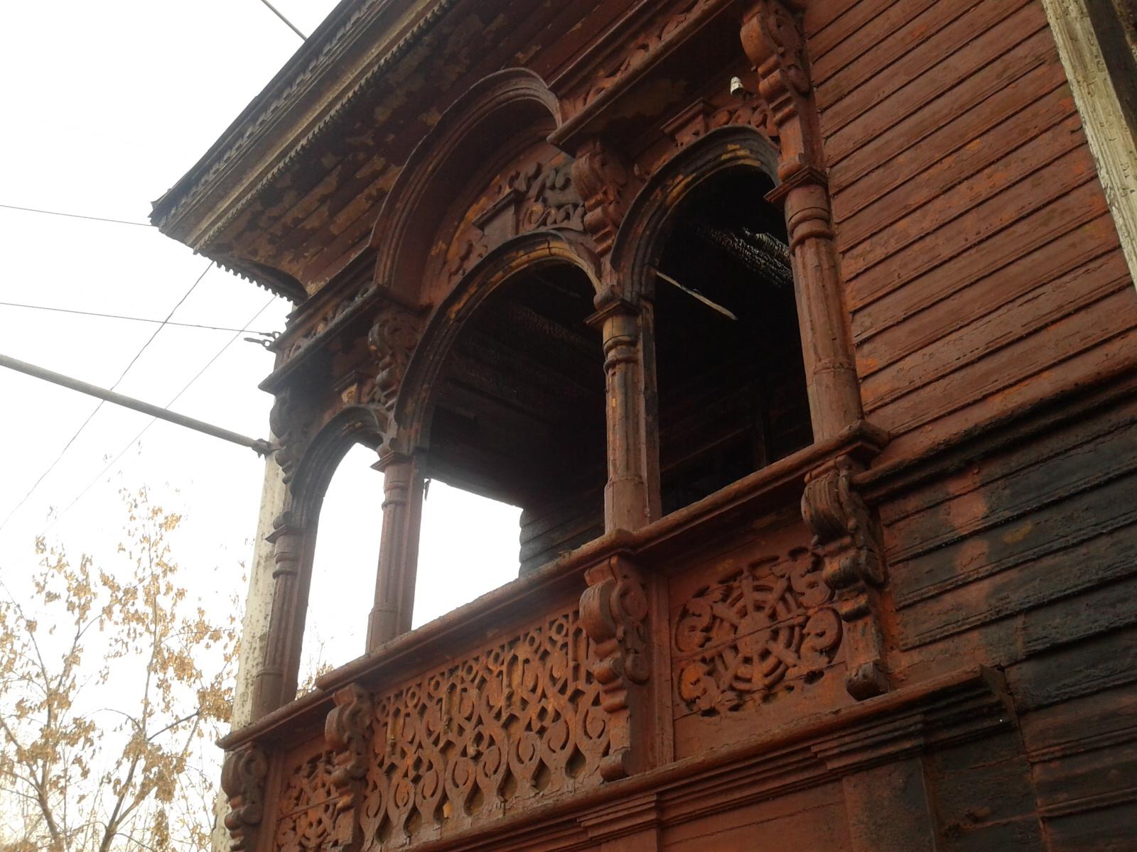 В законсервированном доме-памятнике в Вологде, который горел накануне, жил мужчина