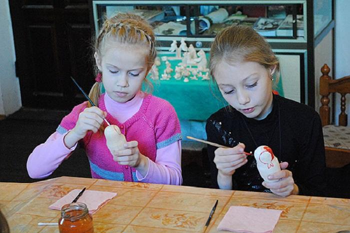 Родители российских школьников собирают подписи под петицией о бесплатных продленках