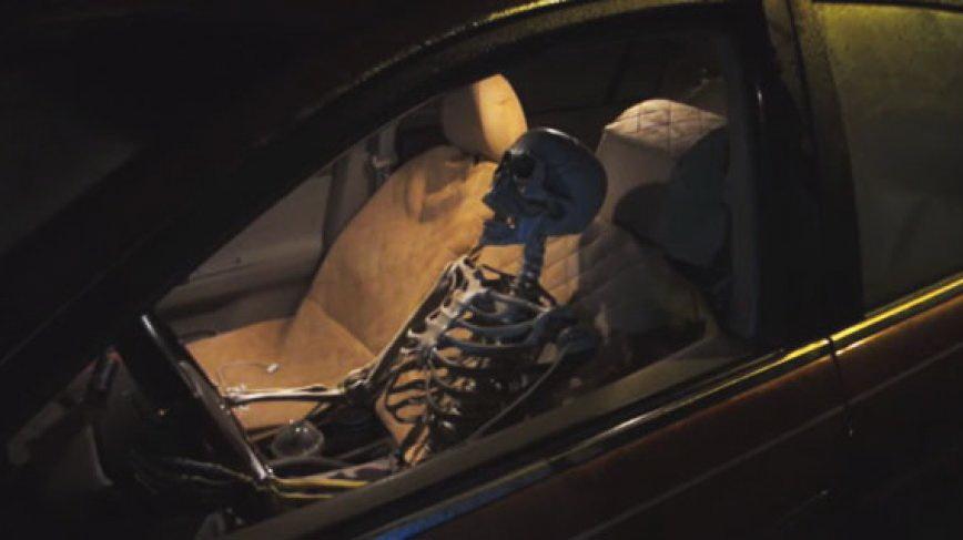 В Череповце инспекторы ГИБДД остановили водителя, который по документам числился умершим