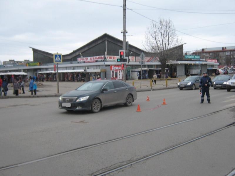 Пешеход попал в реанимацию после попытки перебежать дорогу на «красный»