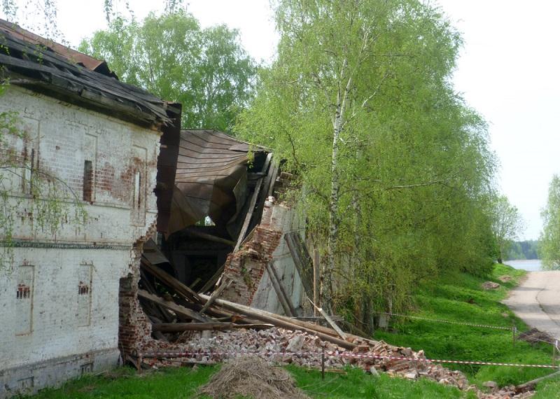 Реставрировать стену Горицкого монастыря будут на деньги Минкульта