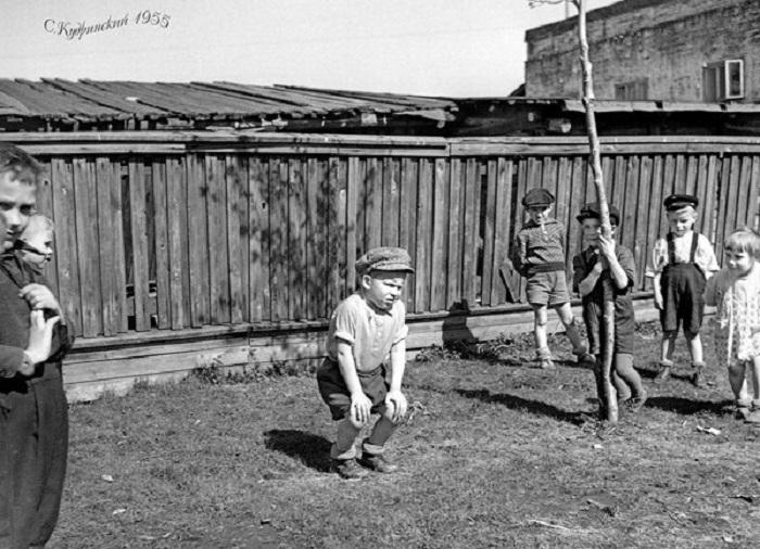 """Выставка черно-белых фотографий Вологды 20 века откроется в """"Красном углу"""""""