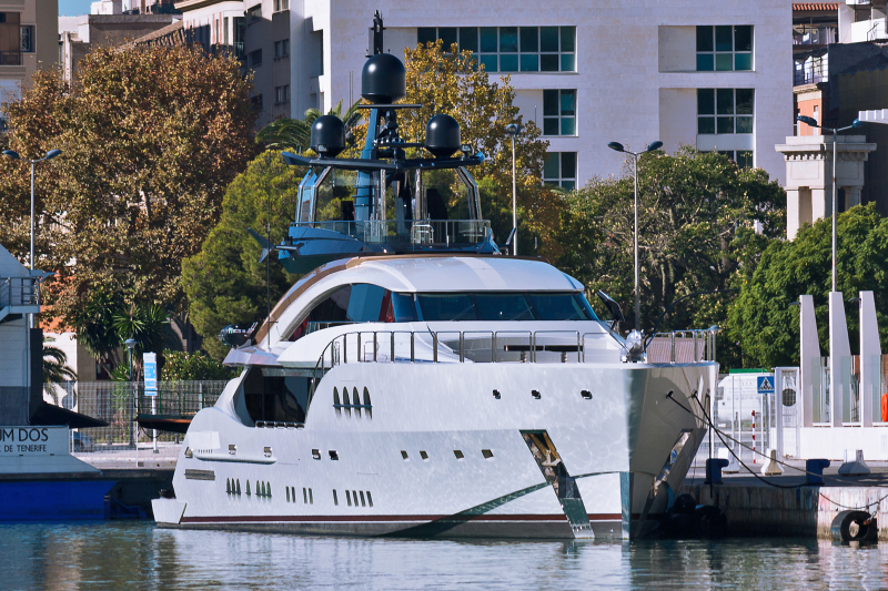 Яхта Алексея Мордашова стала достопримечательностью испанского порта