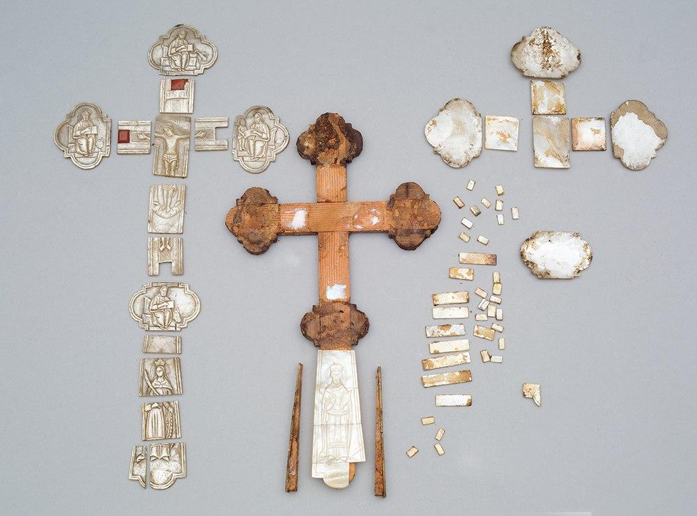 В Москве завершилась реставрация перламутрового креста из фондов Вологодского музея-заповедника