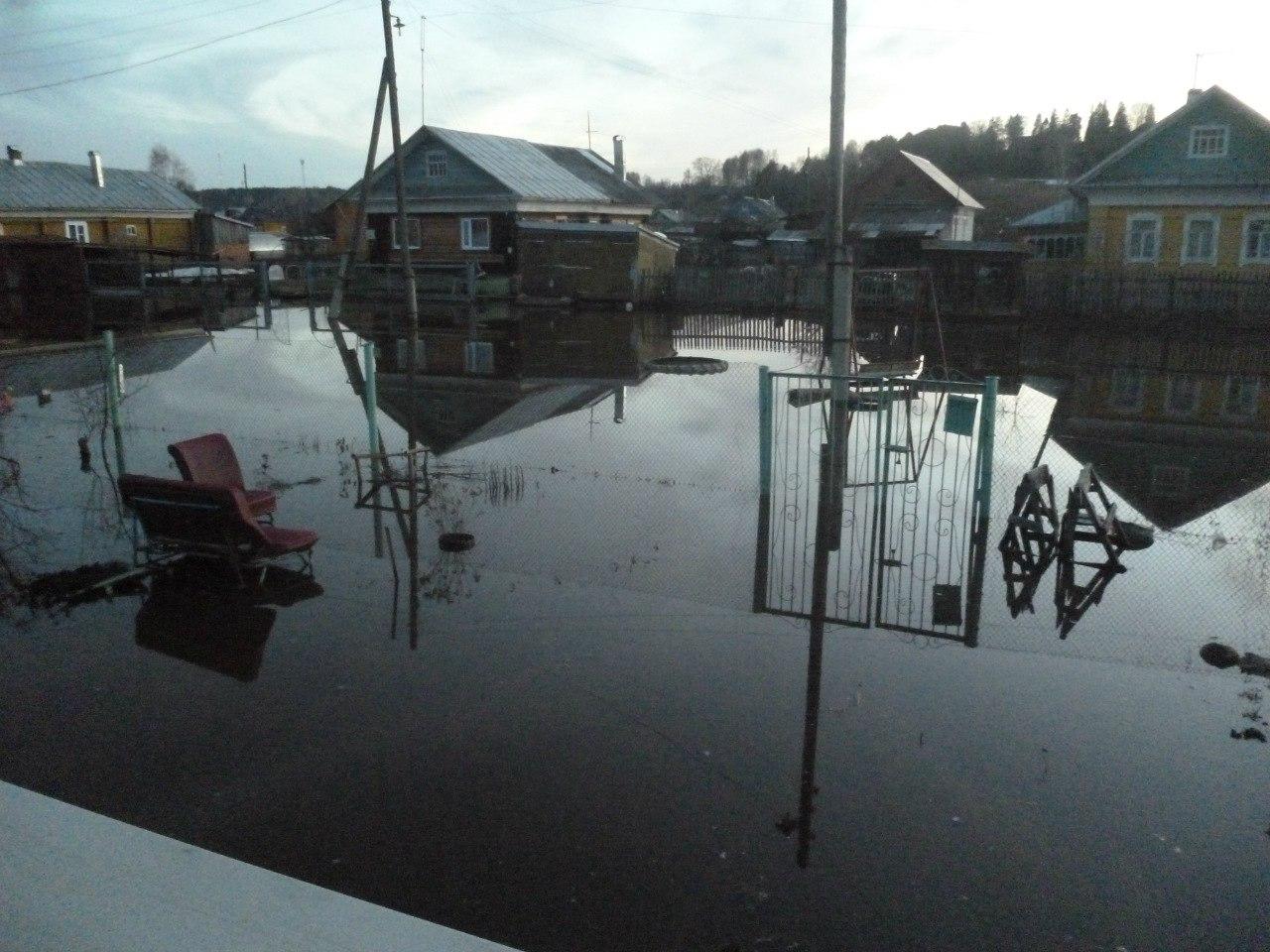 В Красавино остаются подтопленными около 15 домов