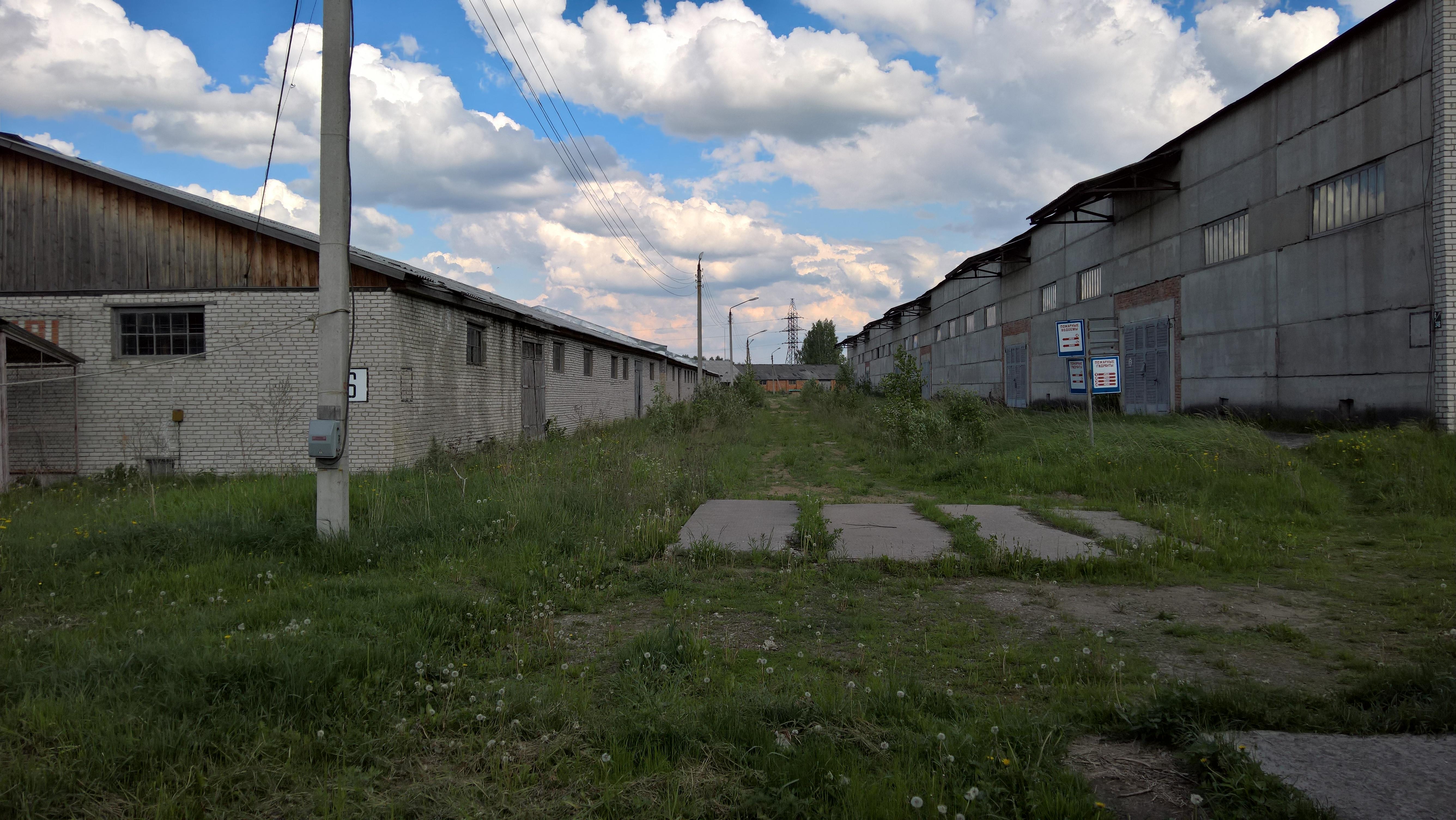 В Вологде осудили бывшего командира части, который похитил более 1000 бетонных плит с военного склада