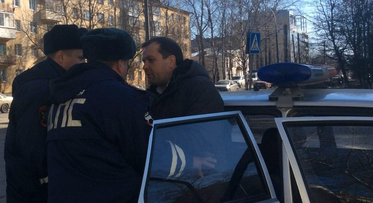 Евгения Доможирова задержала ГИБДД по пути на акцию против стройки