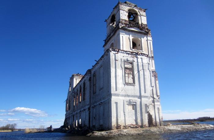 В Белозерске возобновились работы по возрождению Крохинской церкви