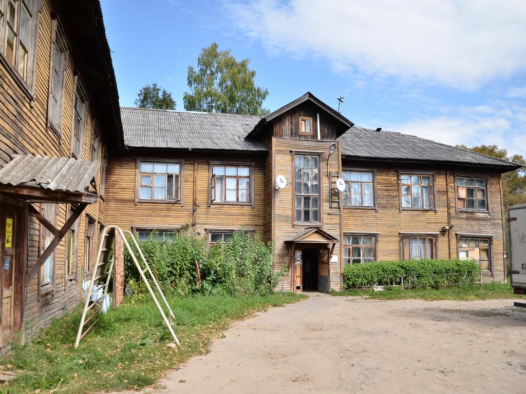 Жильцам аварийного дома на Прядильщиков в Вологде предложили временное жилье