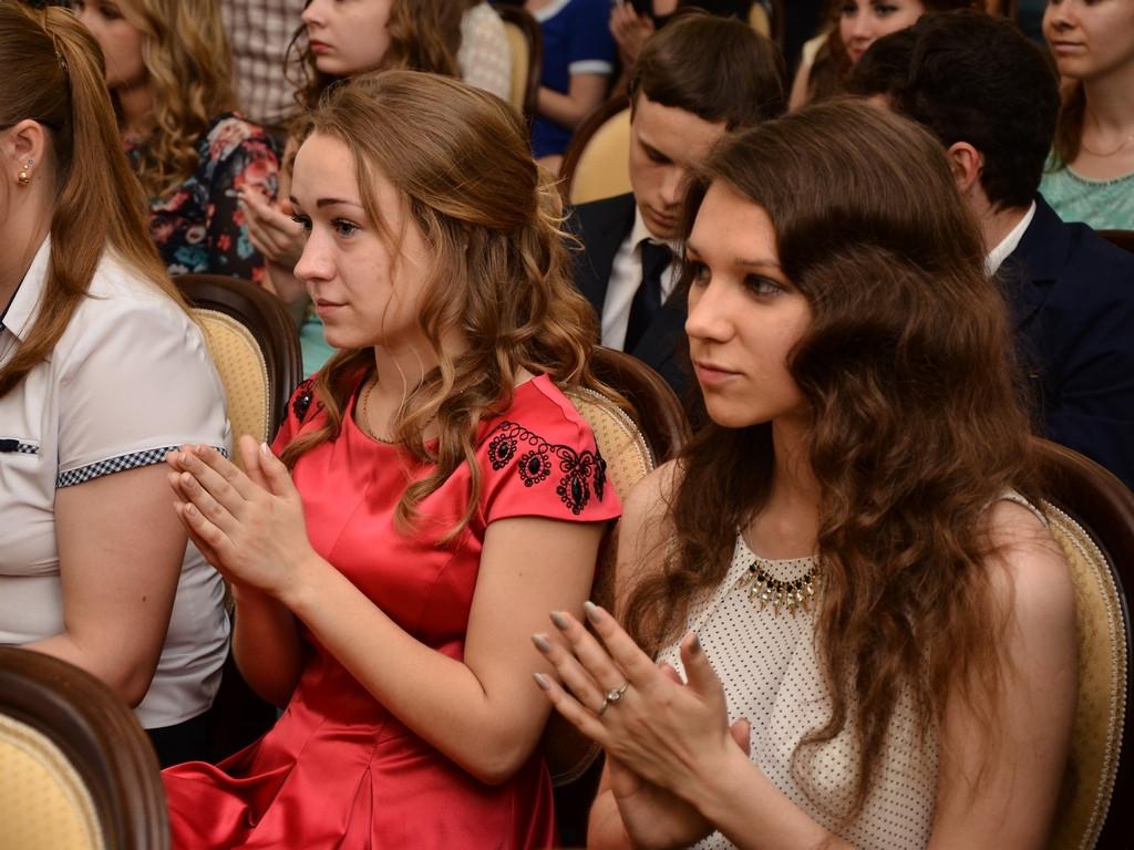 76 выпускников Вологды окончили школу с медалями