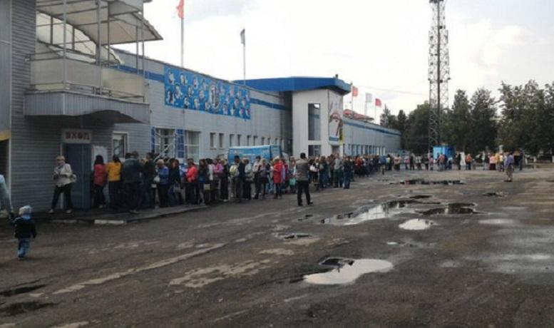 """Свободные места для детей в бассейне """"Динамо"""" в Вологде еще есть, но занятия подорожали"""