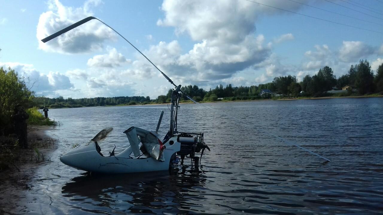 В Череповецком районе подняли со дна реки рухнувший вертолет