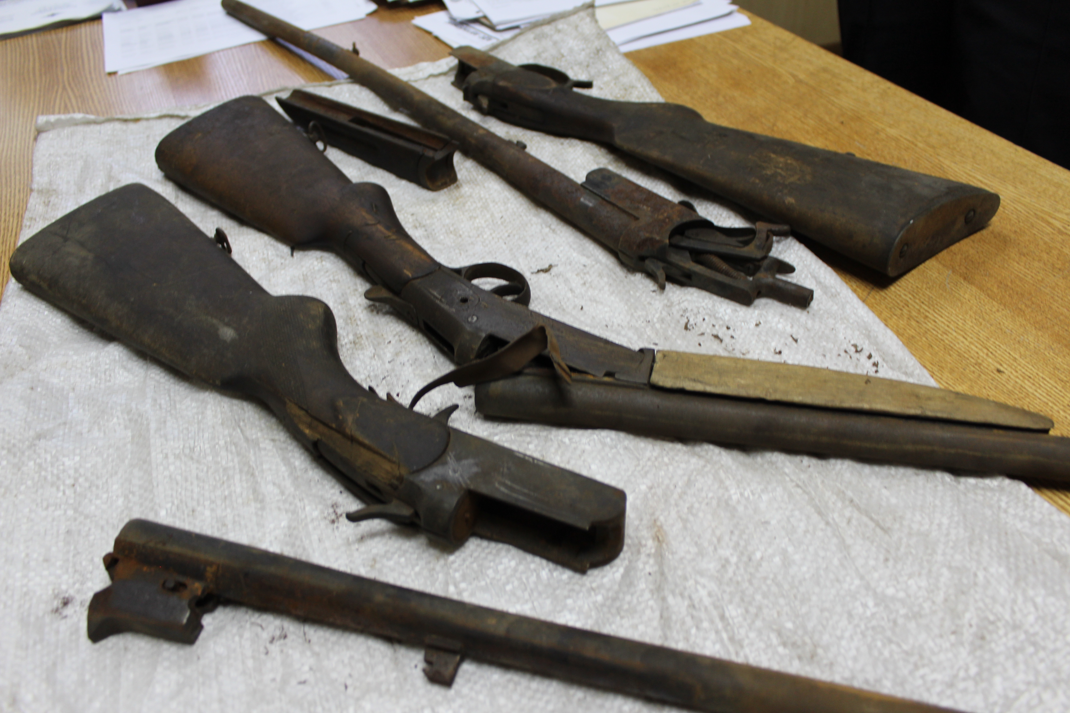 Три старинных ружья нашел житель Вологды на чердаке сарая