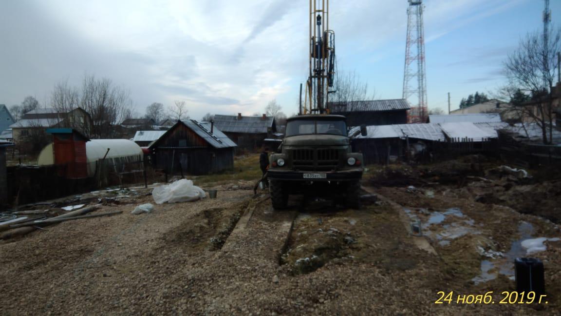 В Белозерске остановили работы по ликвидации ЧП со скважиной: ничего не помогает