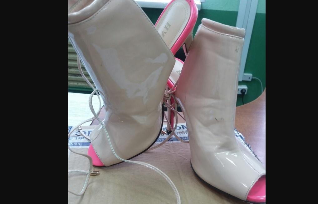 Вологжанину вместо заказанных в интернете кроссовок прислали женские туфли