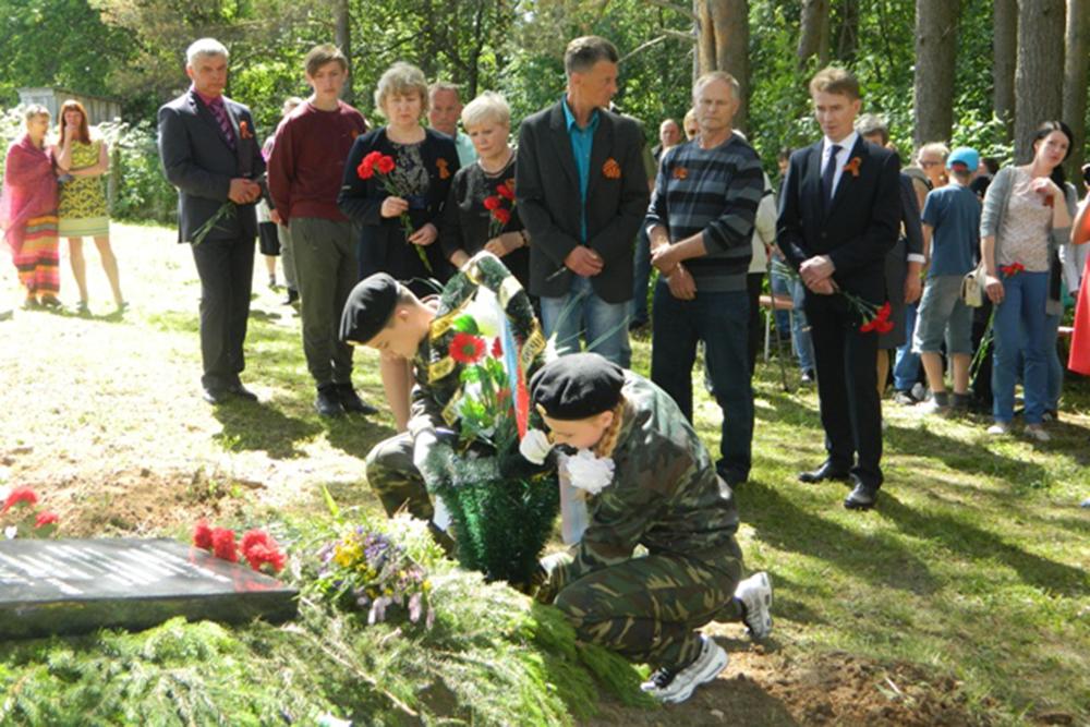 В Харовском районе похоронили красноармейца, останки которого нашли в Беларуси