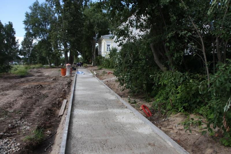 Реновацию набережной Кускова в Тотьме планируют завершить до конца 2020 года