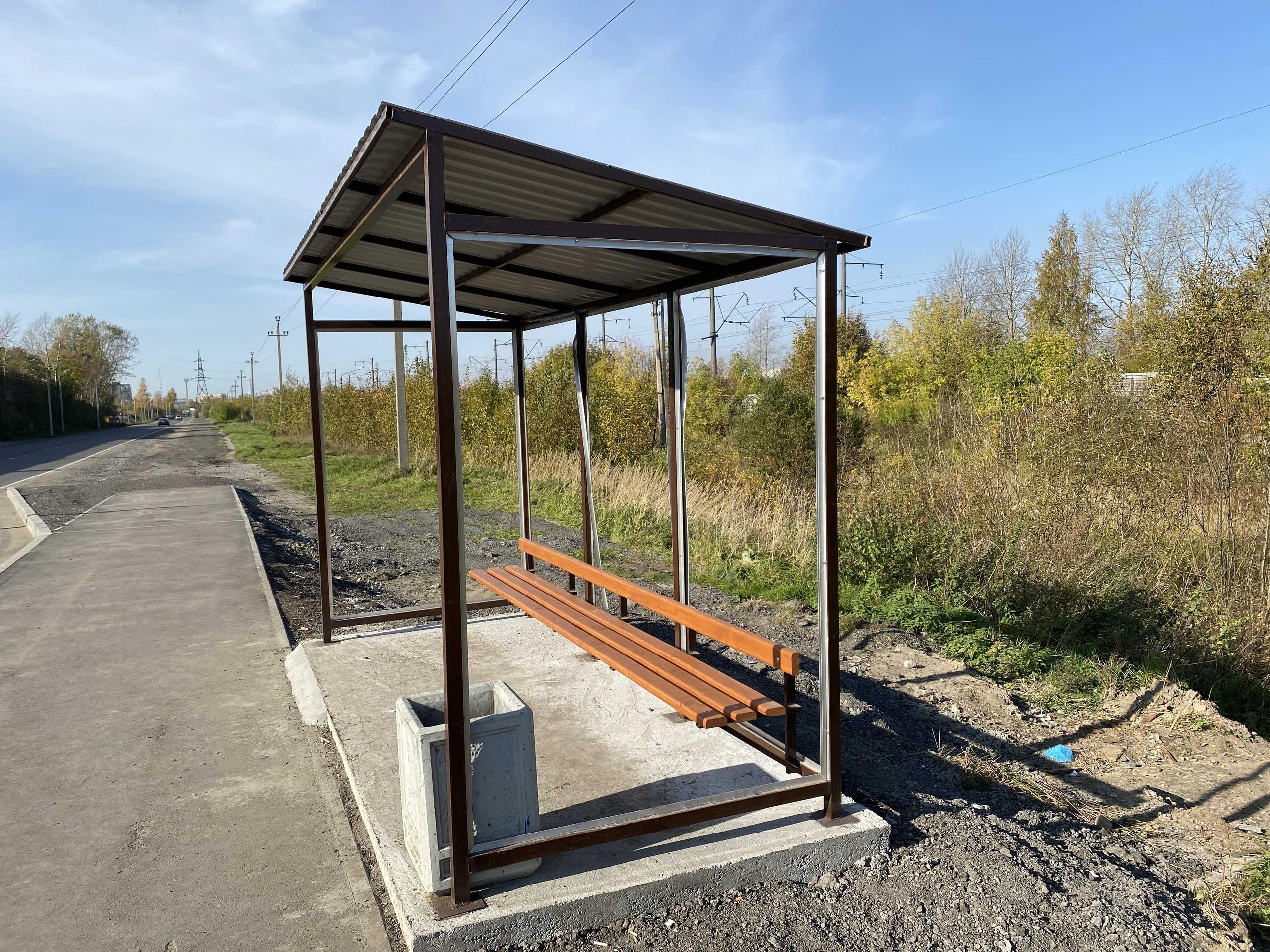 В Череповце украли оргстекло с остановки на улице Боршодской