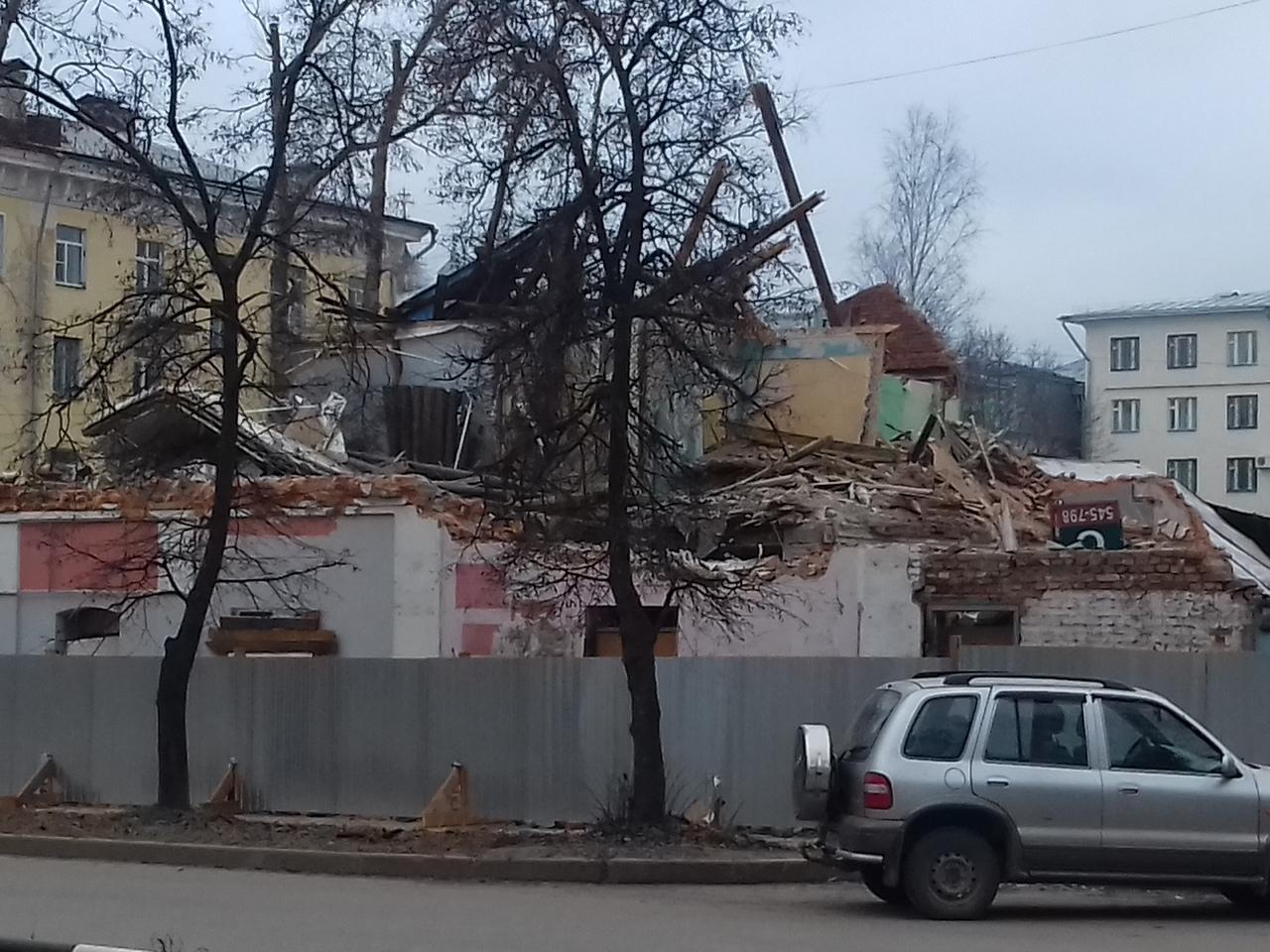 ВВологде снесли старинное здание наСамойло, 7