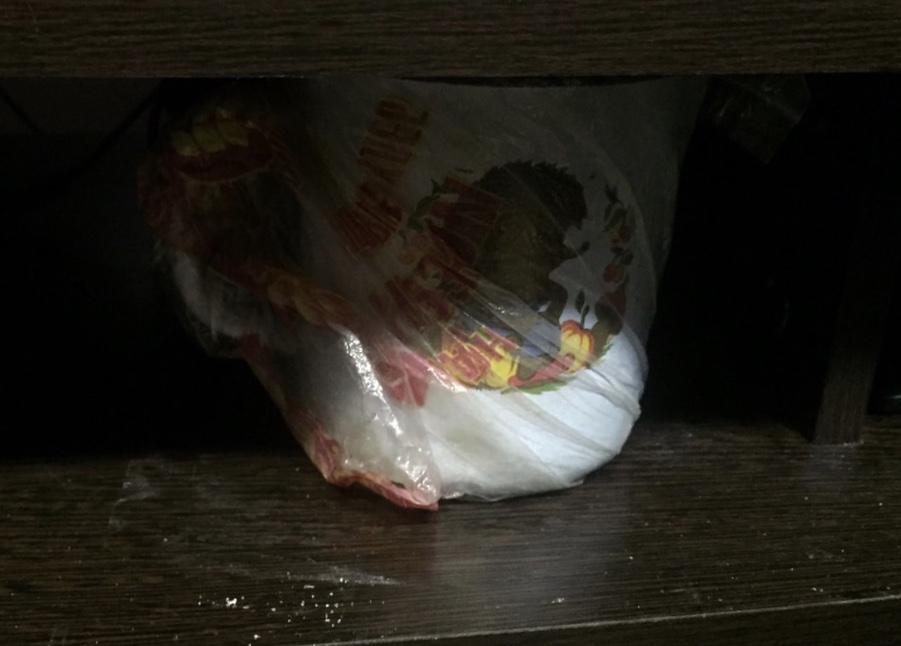 Полицейские задержали 28-летнего череповчанина, который хранил марихуану в кружке под тумбочкой
