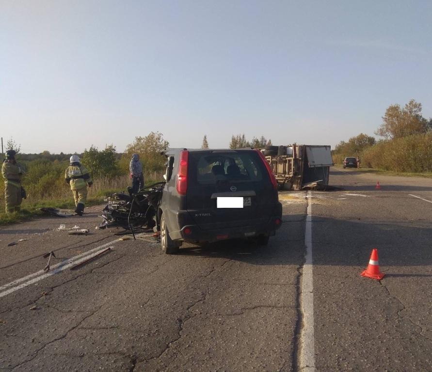 Водитель «Ниссана» погиб врезультате ДТП вЧереповецком районе
