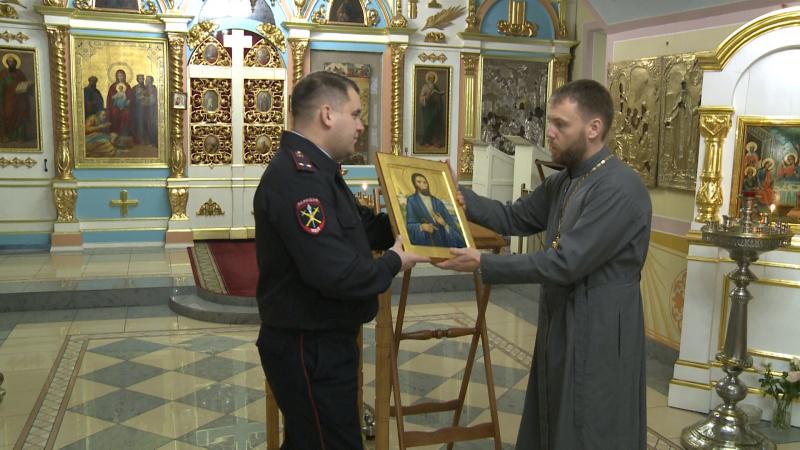 В Вологде полицейские вернули украденную икону в собор Рождества Богородицы