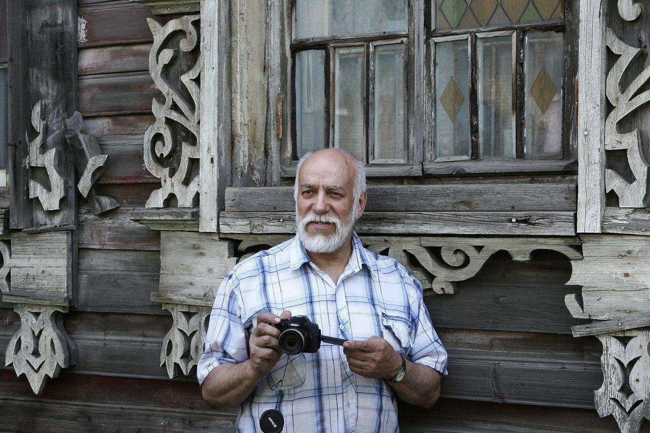 В Вологде умер хранитель Дома Шахова, краевед и фотограф Леонид Стариков