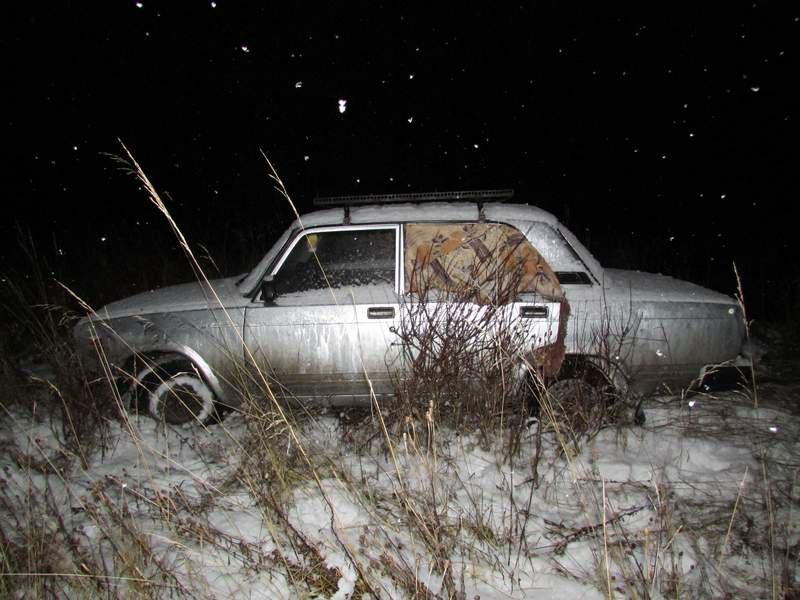 Житель Вологодского района угнал машину и украл из неё аккумулятор, магнитолу и детский магнитофон