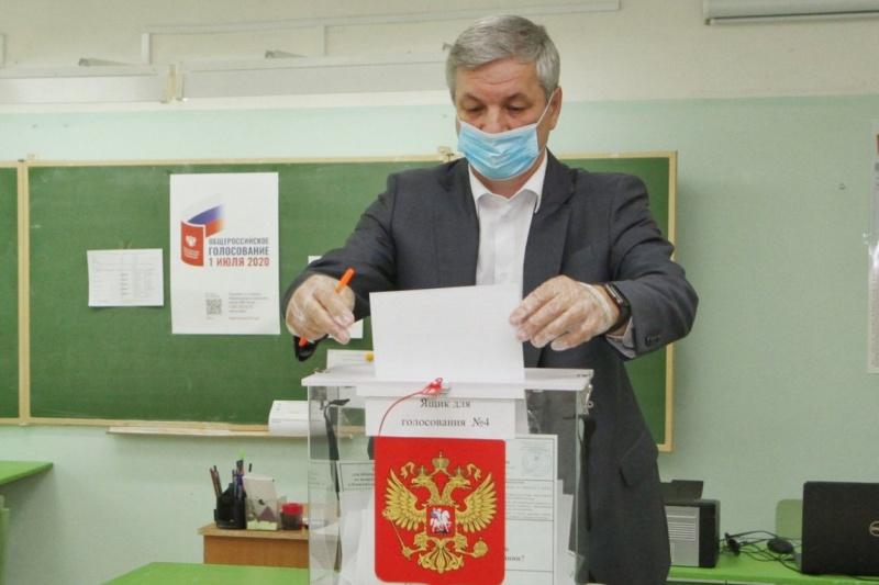 Спикер Законодательного собрания Вологодской области Андрей Луценко проголосовал за поправки в Конституцию