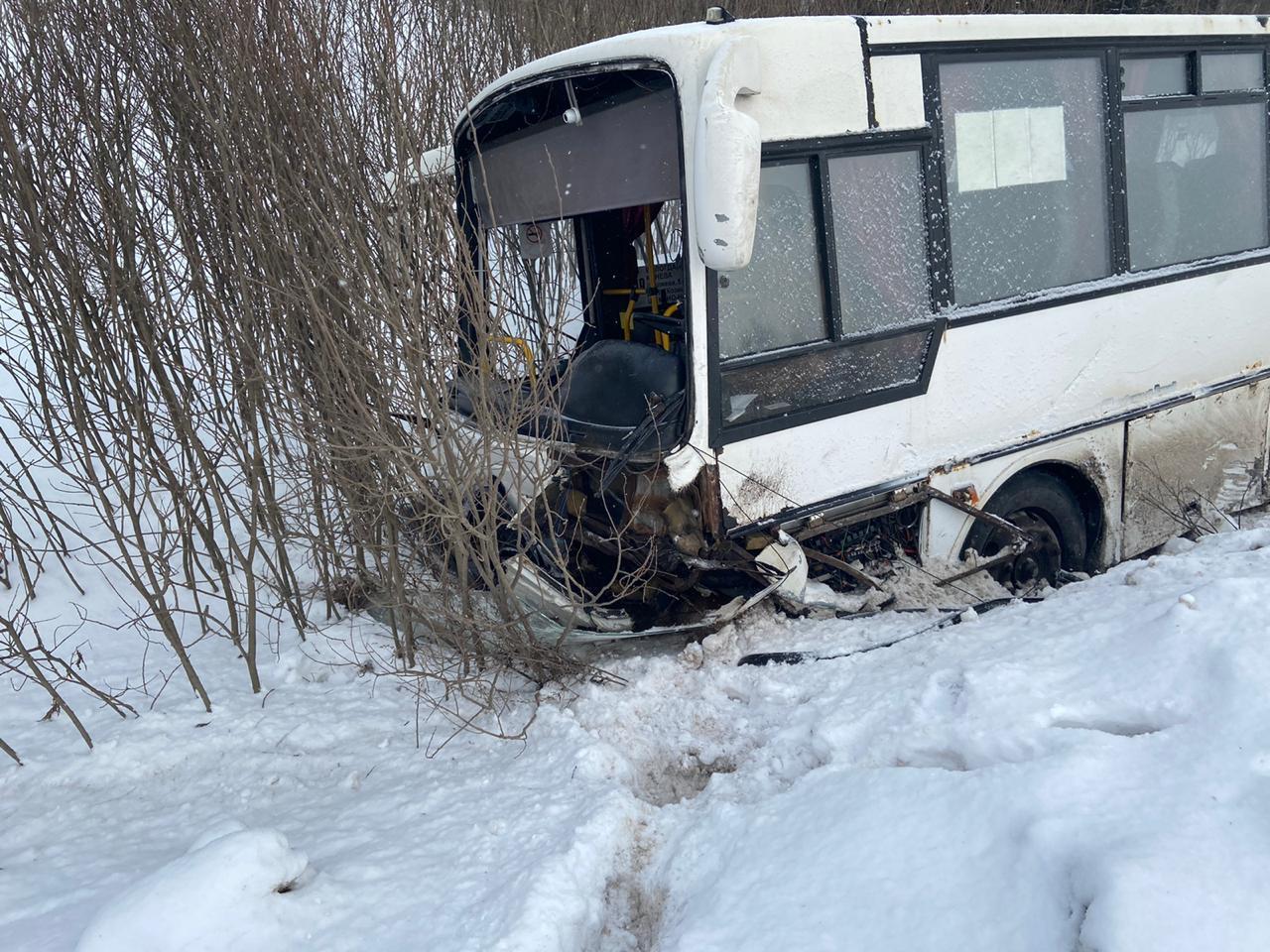 Два человека погибли в ДТП с рейсовым автобусом в Грязовецком районе