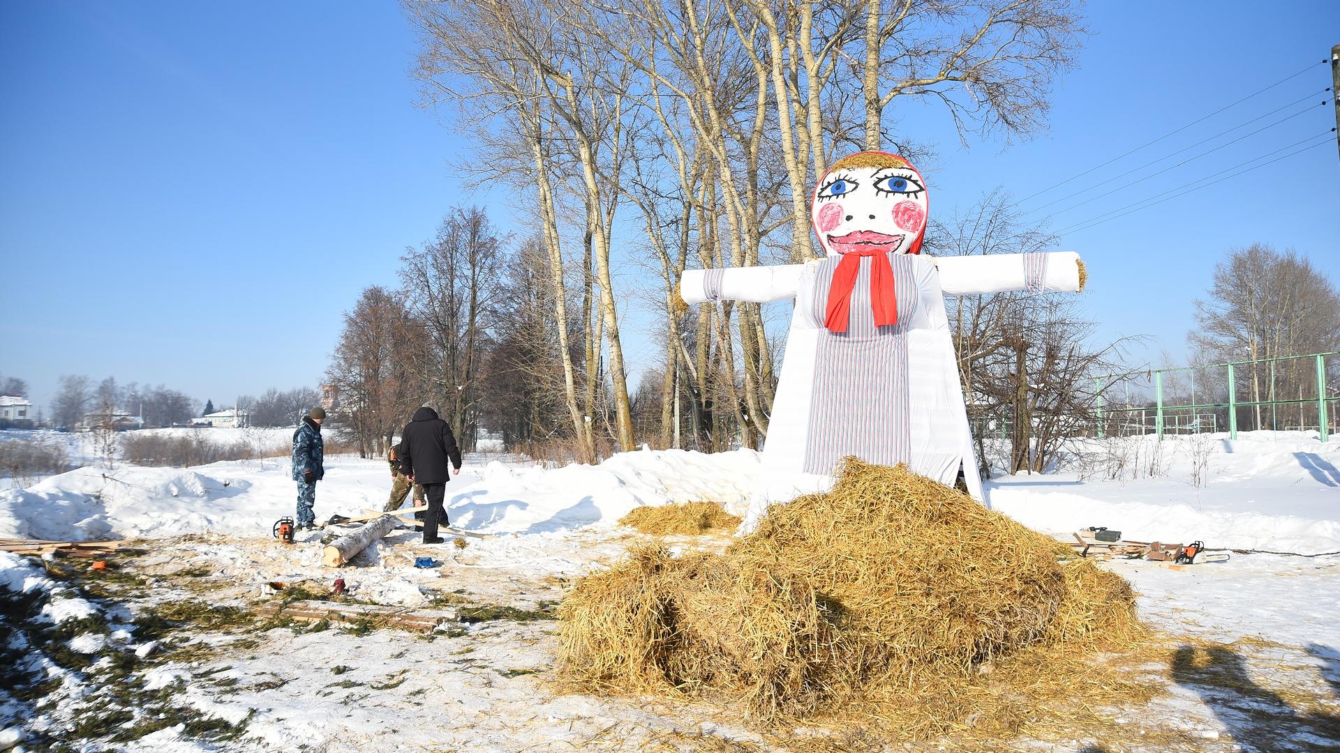 Возле чучела Масленицы в Вологде будут круглосуточно дежурить охранники