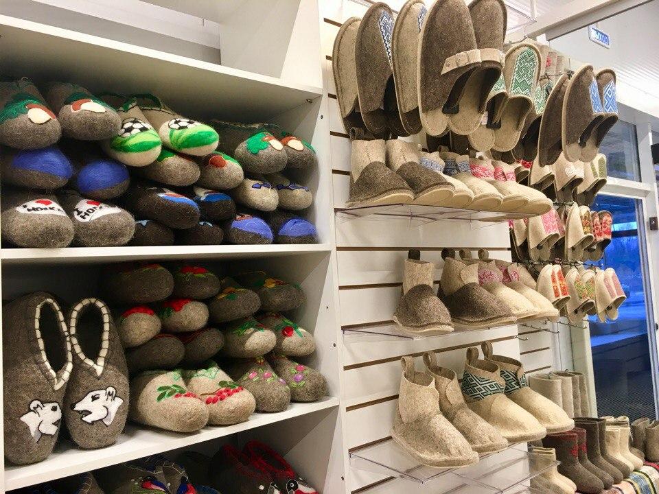 Лапти с QR-кодом: новый закон о маркировке может уничтожить ремесленные производства обуви в Вологодской области