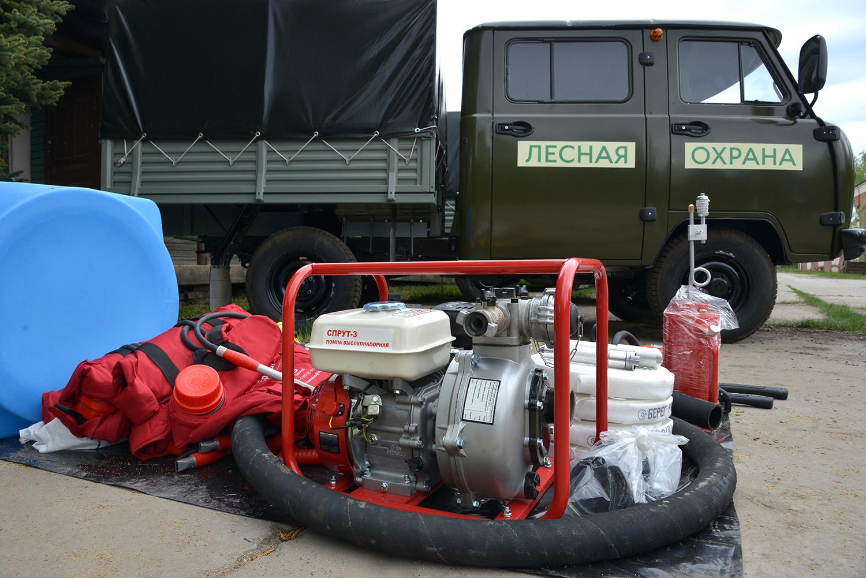Пять лесопожарных УАЗов поступят в пять районов Вологодской области