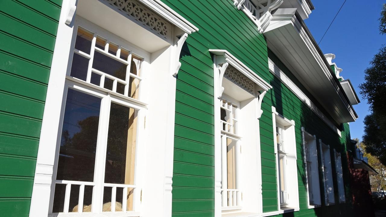 В Вологде инвестор отреставрировал фасад дома купца Извозчикова на Чернышевского, 55