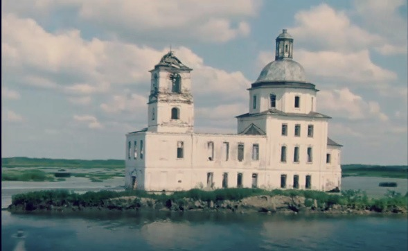 «Наш Нотр-Дам»: начался сбор на спасение церкви в Крохино