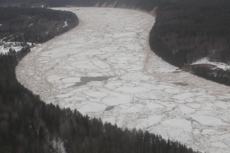В Великом Устюге прошла первая волна ледохода, на очереди вторая