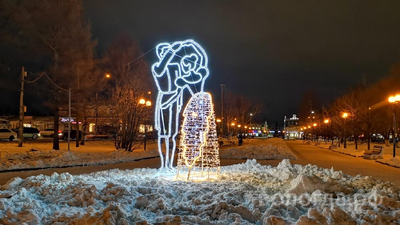 Трехметровый арт-объект «Танцующая пара» установили на проспекте Победы в Вологде