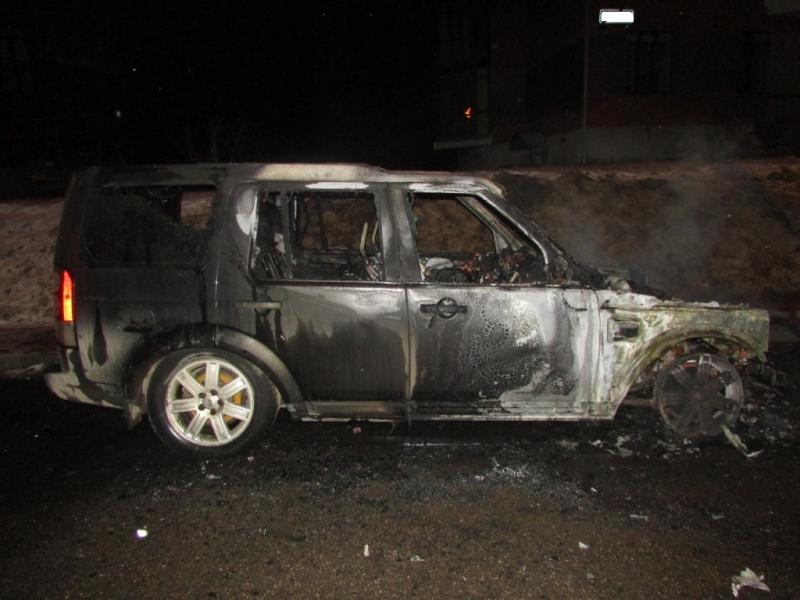 Вологжанин сжёг автомобиль знакомого за долги
